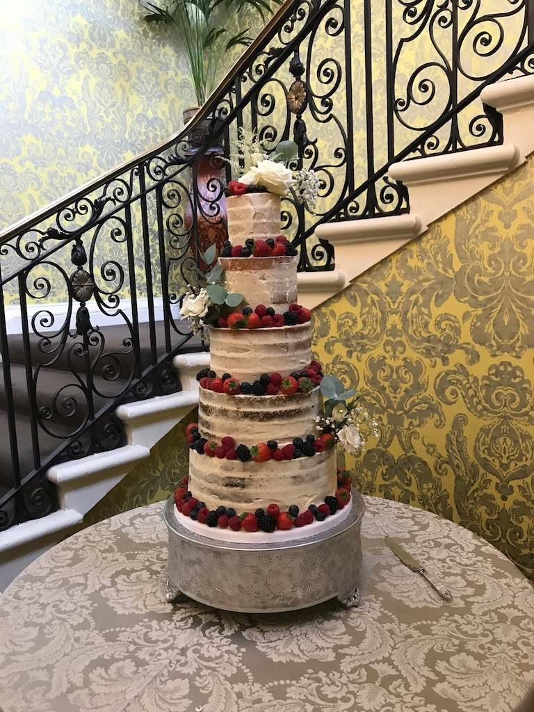 Dolce Lusso Cakes Hedsor Naked Cake 4 tier fresh berries
