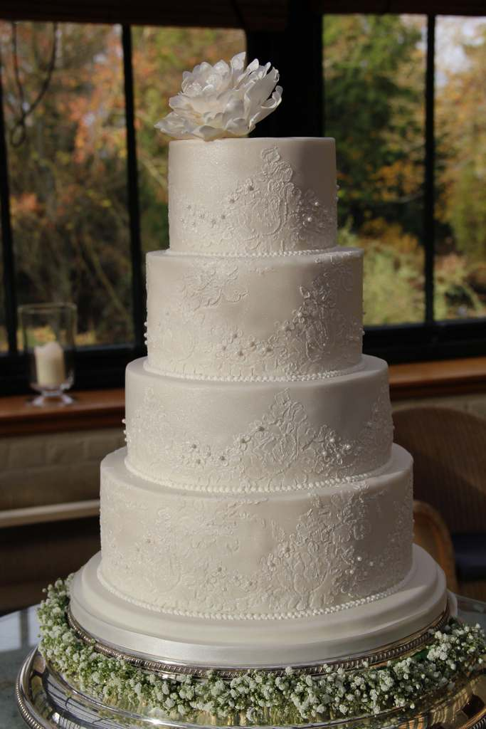 Dolce Lusso Cakes 4 tier wedding lace handpiped detail white sugar peony gypsophylia The Dairy
