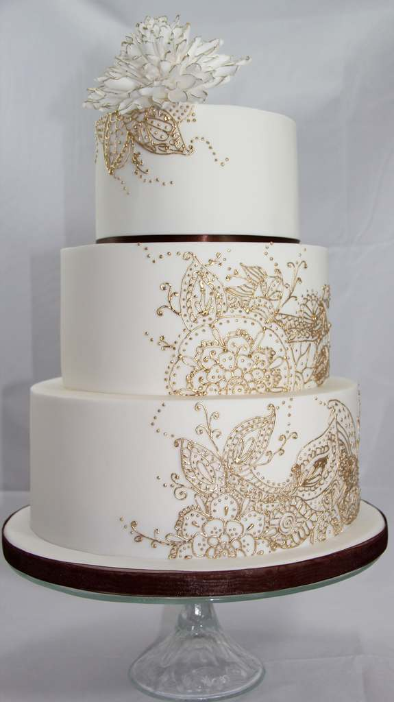 Dolce Lusso Cakes 3 tier handpiped henna pattern freehand gold brown sugar flower dahlia indian wedding cake