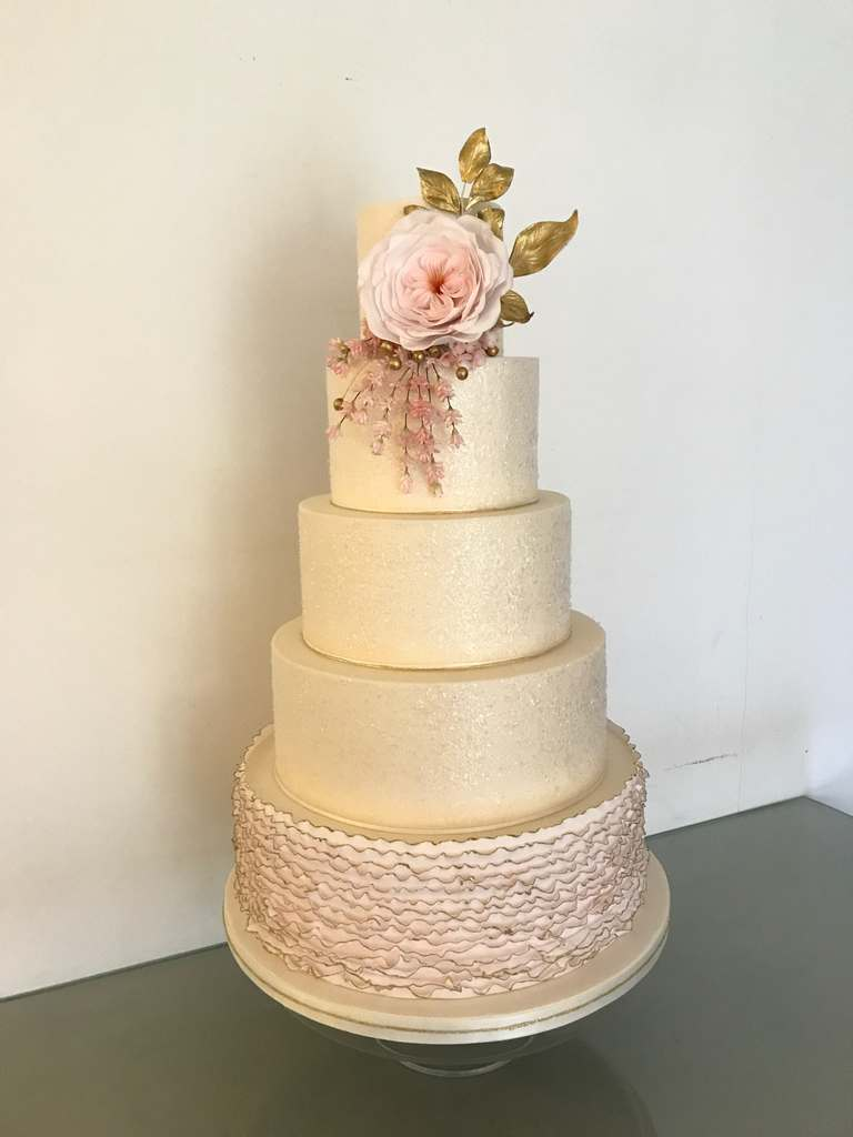 Dolce Lusso Cakes 4 tier weding cake ruffles pink glitter gold lavender rose sugar flowers
