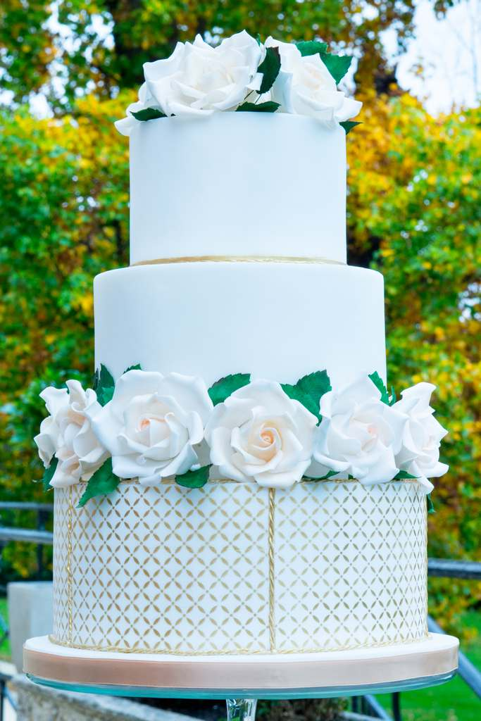 Dolce Lusso Cakes - 3 tiered sugar rose wedding cake autumn gold