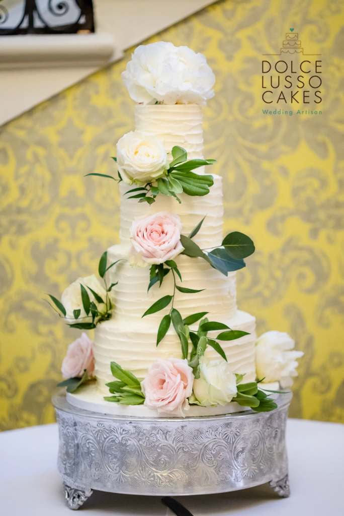 Dolce Lusso Cakes 4 tier weding cake rustic buttercream wedding cake fresh flowers hedsor