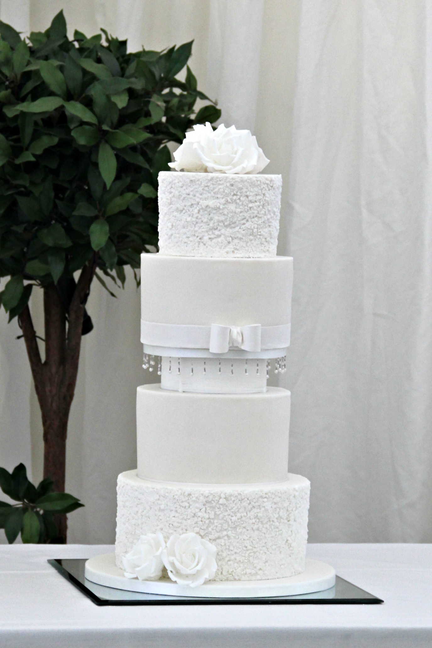 Dolce Lusso Cakes 3 tier wedding cake grey gold marble